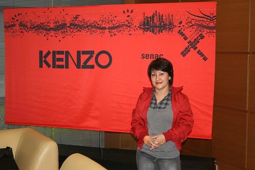 Eu na sala de imprensa do evento do Kenzo Takada no senac por você.
