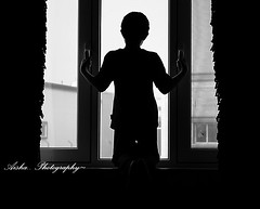 {      ! } (Shoshe { Aisha M. Al-Othman }) Tags: white black blanco window branco ventana hope waiting noir sad looking fenster negro fine esperana preto finestra triste final sin fim end janela fin esperando bianco blanc beyaz nero espera ricerca schwarz suchen esperanza buscando hopeless ende attesa warten hoping speranza hoffnung traurig senza recherche weis dsespoir olhando umut hopelessness siyah desesperanza disperazione pencere sperando  desesperana  desesperada lespoir hoffnungslos biti hoffnungslosigkeit zc dattente  bekliyor  esprer dsespre aryorum  kmaktadr mitsiz mitsizlik