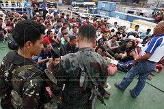FILIPINO DEPORTEES (Charlie Saceda) Tags: deportees repatriates southernphilippines zamboangacity charliesaceda mvdanicajoy southernph dswdimmigrationpolice
