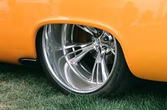 1955 Chrysler detail (bballchico) Tags: slr 1955 canon gold wheels chrysler custom chipfoose 55 rims carshow stationwagon customcar kustom chryslerimperial goodguys foose goodguysrodcustom rebel2000eos goodguysnorthwestnationals