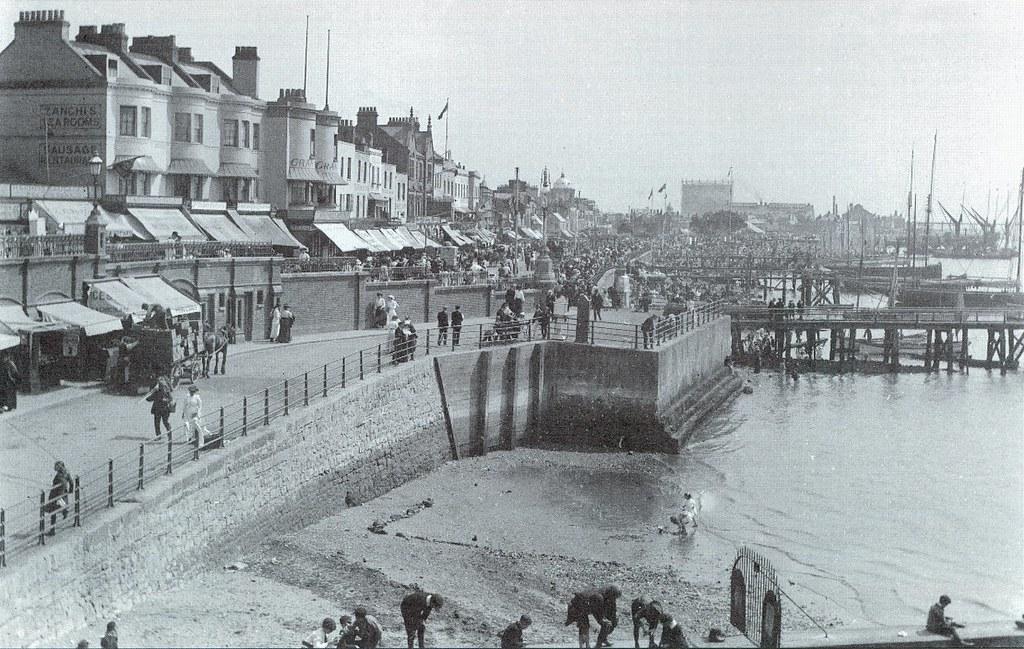 Southend on Sea, Marine Parade, August 1898.