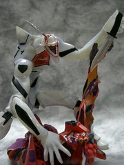 EVAmass VS eva2 (nuo2x2) Tags: angel toys eva neon 05 knife battle scene gore production produce mass genesis progressive evangelion sadist eva02 jfigure eva05 nuo2x2 massproduce