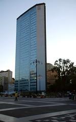 milano - il pirellone (Liberty Place) Tags: italy skyscraper europa europe italia blu milano grattacielo lombardia italie pirellone fotoincatenate
