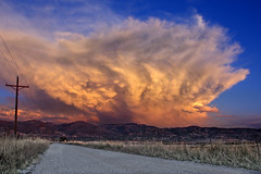 Dont forget to turn around... (jssutt) Tags: light sunset sunlight clouds utah hdr bountiful thundercloud bountifulutah tonemapping earthasia daviscountyutah jssutt jeffsuttlemyre