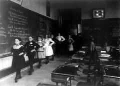 Classroom from 1899 from http://flickr.com/people/trialsanderrors/