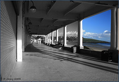 Picture Window.. (welshlady) Tags: beach southwales coast seaside memorial promenade shelter bandstand wfc barryisland captainscott nellspoint welshlady whitmorebay canoneos400d ultimateshot kitlens18x55