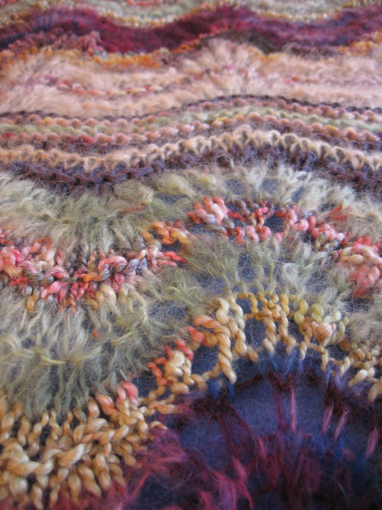 Colinette Ab Fab Antique Closeup_02