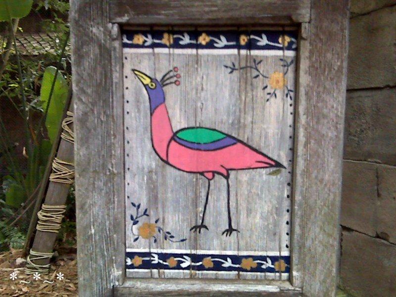 IMG01443-Maharajah-Jungle-Trek-red-Bird-Closer
