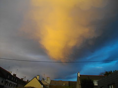 un ouragan? (Cybersaphyra) Tags: sunset soleil bretagne ciel morbihan couche ouragan