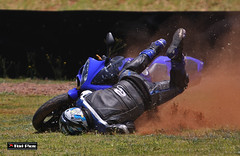 Crash, Accident, Turnover... (Fabio Tieri) Tags: bike crash accident r1 turnover superbike interlagos tombo acidente yamahar1 cair fabiotieri