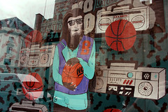 (KatePrior) Tags: basketball windowdisplay teenwolf windowofopportunity nationofshopkeepers nobones