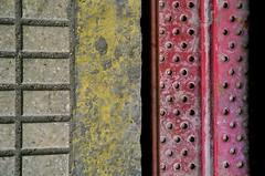 [reconfiguraciones (lvaro Prez Mulas) Tags: red abstract color colour art yellow contrast rojo arte exhibition amarillo contraste abstracto exposicin hierro abstracin reconfiguraciones