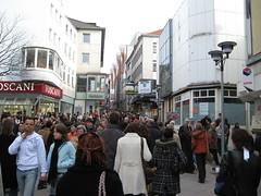 Fußgängerzone in Essen vor dem Einkaufszentrum Limbecker Platz
