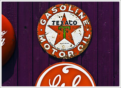 Guthrie Signs (hz536n/George Thomas) Tags: red orange white green oklahoma sign wall spring purple 2008 guthrie canon30d canonef70200mmf4lusm