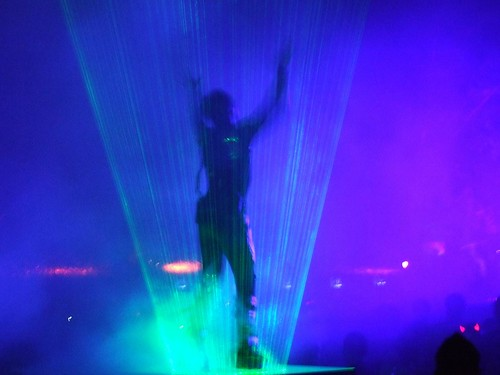 laser-man-dance-show-thingy