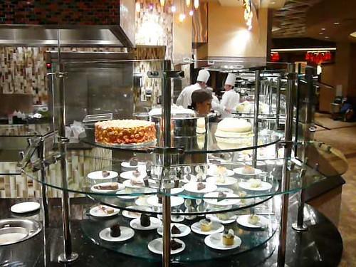 Counter rotating dessert case1