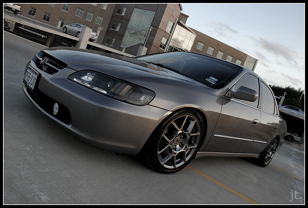 Picture of Acura rims on 6th Coupe - Honda Accord Forum : V6 Performance Accord Forums