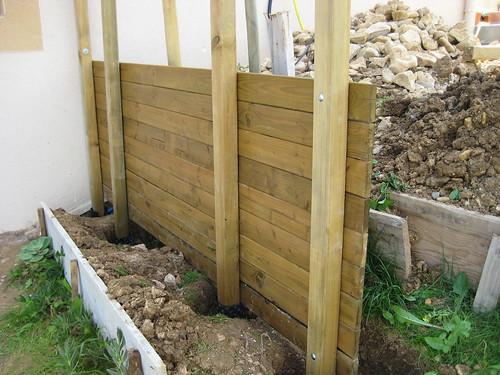 en bois, on vera si ca tient )  Au jardin, forum de jardinage ~ Construire Un Muret En Bois