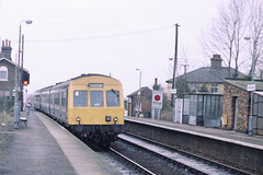 Class 101 DMU arriving at Westerfield (Treflyn) Tags: train br 1988 railway 80s multiple 1980s britishrail unit dmu westerfield class101