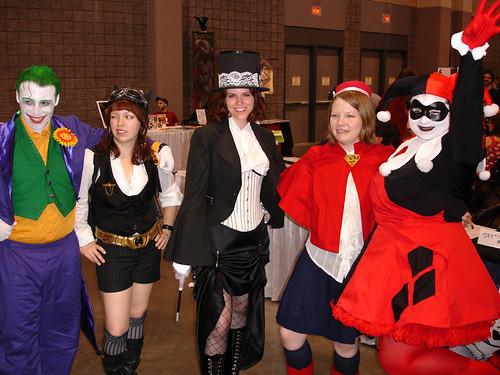 HeroesCon: Joker, Harley Quinn, Batgirl, Zatanna, Supergirl