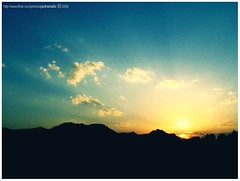 iran's sunrise (pedramatic) Tags: sky sunrise canon colorful iran persia an  esfahan isfahan irn canonpowershota75   liran pedram iraan colorfulsky     iro mywinners abigfave    ir iranu  iranas  iranis  mybeautifulland  pedramatic   ran rn      perzi perzsia    persiya   iarin irna  prathe xihrn  yrn