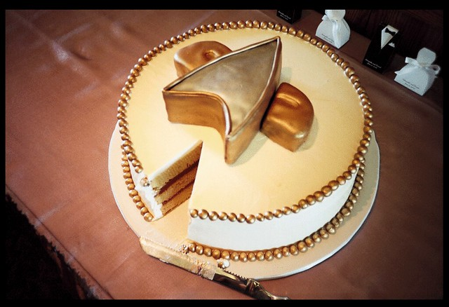 Star Trek Wedding Cake Design for Star Trek Fans