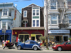 a commercial strip in Noe Valley (by: Mioi Hanaoka, creative commons license)