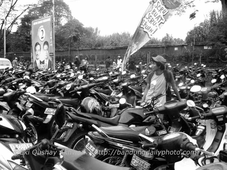 Sea of Motorbikes 2