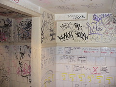 Men's Room, Ten Bells