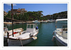 Lazy hazy days (Gary*) Tags: sea summer sun spain harbour med majorca boates lovephotography portochristo 40d hyhb