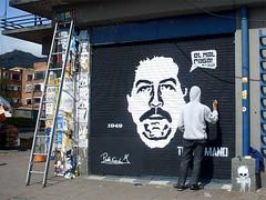 Pablo Escobar (Toxicómano) Tags: streetart graffiti stencil colombia bogotá drug coca escobar cocaine pabloescobar pochoir cocaina narcotrafico esténcil toxicómano drugtraffic elpatrón avdechile