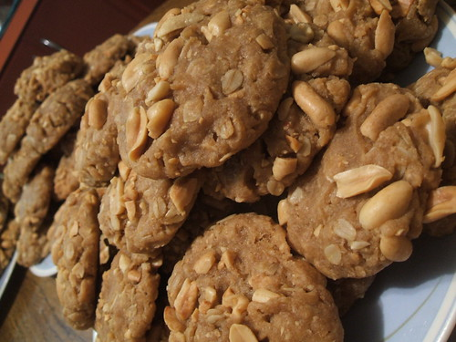 peanut butter oatmeal cookies1
