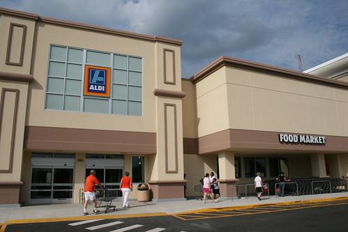 Aldi Grocery Store in Brandon