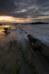 Asturias, playa de la Vega (elosoenpersona) Tags: longexposure sunset sea costa beach de atardecer coast la mar nikon long exposure asturias playa vega asturies cantbrico naturesfinest cantabric elosoenpersona