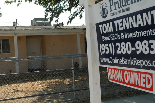 Foreclosed home in Riverside for auction