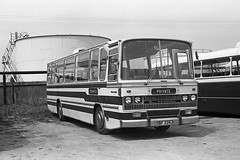 Furrener (Fray Bentos) Tags: coach fordr226 edwardsjoysgreen caetanoestoril