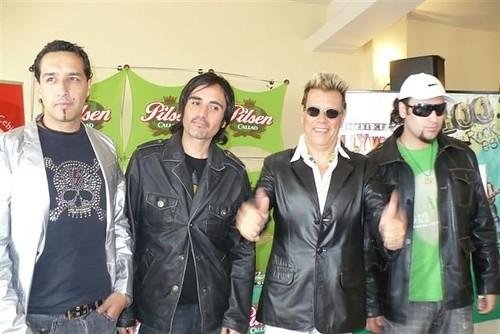 Willy con sus músicos
