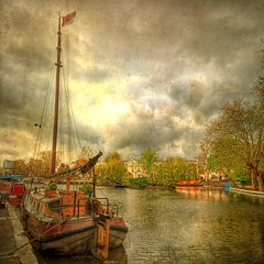 Canals (Giorgos~) Tags: uk london chapeau paddington littlevenice textured giorgos themoulinrouge firstquality outstandingshots mywi