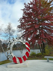Veterans' Memorial with fall foliage