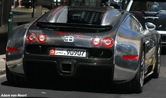 Bugatti Veyron Pur Sang (Wannabe/fake) (Adam van Noort) Tags: auto adam cars car canon real is amazing 300d geneva geneve top swiss uae fake gear automotive chrome eod beast usm autos van carbon fiber bugatti sang genve exclusive wannabe spotting pur veyron switserland zwitserland  aaf carspotting spotten tested noort not exclusief 18135mm  schweis adamvannoort autospotten vannoort