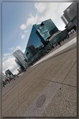 10802 (Daniel Perissutti) Tags: paris france building 20d architecture modern canon eos canoneos20d moderne btiment immeuble dfense grandearche arche danielperissutti