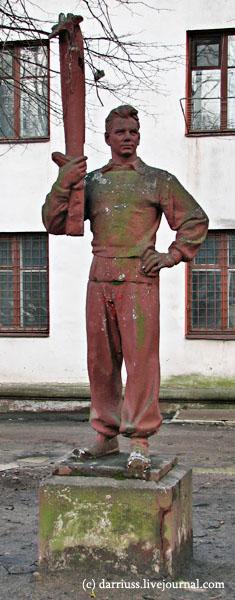 minsk_statues_2