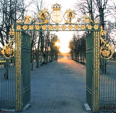 An entrance to the park, Drottningholm, Stockholm (DenesG1-still off, computerproblems) Tags: park sunset nature colors garden sweden stockholm entrance fabulous soe royalty touristattraction drottningholm 10faves flickrsbest golddragon mywinners flickrgold impressedbeauty ultimateshot superbmasterpiece firsttheearth megashot canons5is overtheexcellence betterthangood theperfectphotographer goldstaraward stunningphotos iamflickr svenskaamatrfotografer partoftheworldheritage