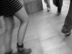 Esquina (koldografo) Tags: barcelona street woman feet calle mujer shoes bcn zapatos pies carrer dona peus sabates