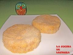 Hamburguesa de queso y salchicha-crudas plato
