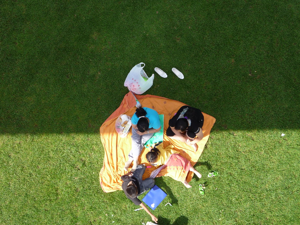 Picnic by Arria Belli, on Flickr