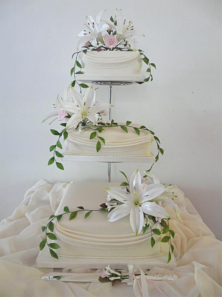 Lily Wedding Cake   (no:3)