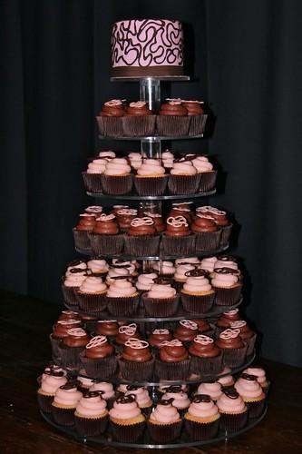 Foto bolo de casamento cupcakes rosa e marrom