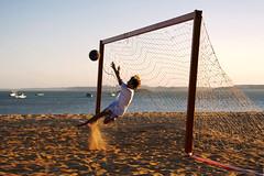 Caiu na rede... (gleicebueno) Tags: sea vacation sun sol praia beach water mar sand areia shade criancas rede futebol ferias