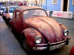 Escarabajo (MamaSaya) Tags: chile auto car escarabajo valparaso valpo rayado almirantemontt